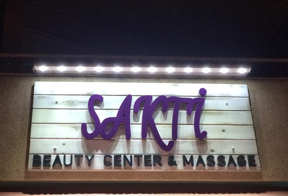 Cartel-exterior-SAKTI-(luminoso)